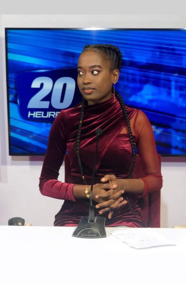 Astou Dione, journaliste 2stv